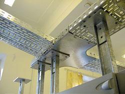 Технология монтажа электропроводки в кабельных лотках