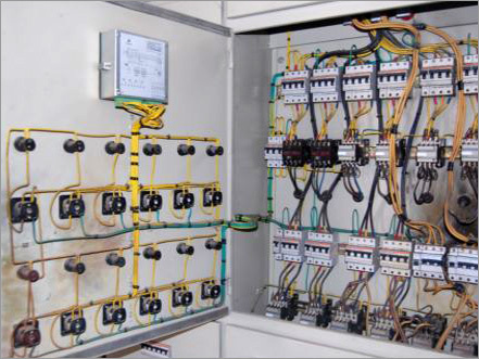 Поиск неисправностей в электрических схемах при проверке их под напряжением