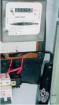 установка конденсатора HomeCap в ящике учета