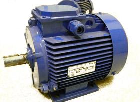 асинхронный электродвигатель с короткозамкнутым ротором серии АИ