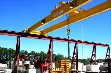 Краны мостовые двухбалочные опорные.  Кран мостовой - это грузоподъемное устройство, предназначенное для...