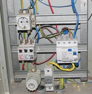 Автоматические выключатели и предохранители в электрощите