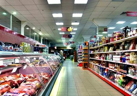 светодиодные панели в торговом помещении