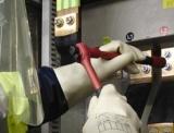 Выполнение работ под напряжением в электроустановках разных классов напряжения: методы, средства защиты