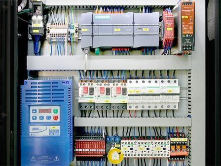 SIMATIC S7 в шкафу управления