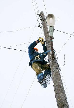 Ремонт воздушных линий электропередачи зимой