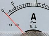 В чем отличие амперметра постоянного тока от амперметра переменного тока