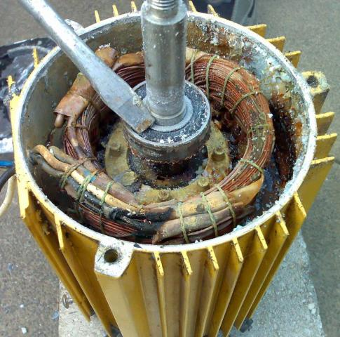 Поврежденная изоляция обмоток электродвигателя