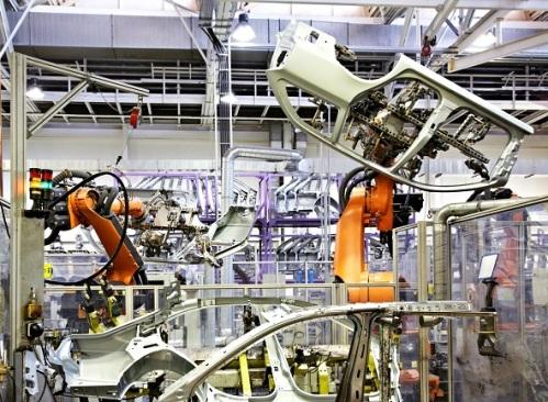 Роботы на промышленном предприятии