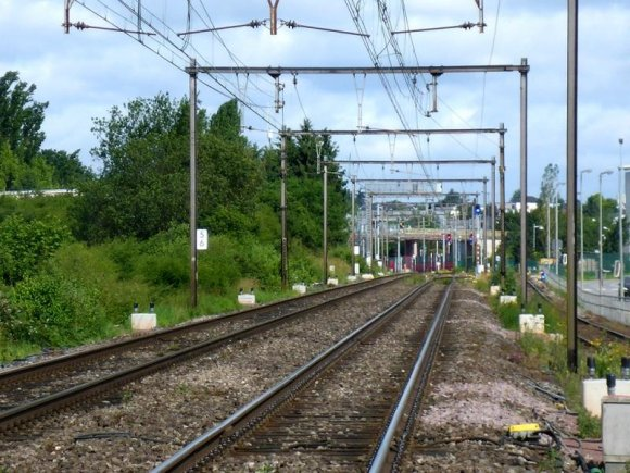 Как получает питание городской и междугородний электрический транспорт