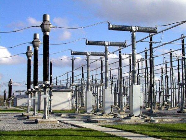 Высоковольтные выключтатели на трансформаторной подстанции