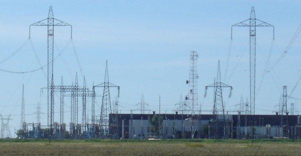 Преимущества высоковольтных ЛЭП постоянного тока по сравнению с ЛЭП переменного тока